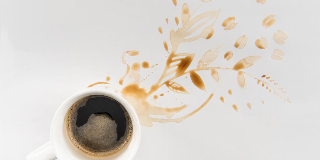 cum scoti petele de cafea